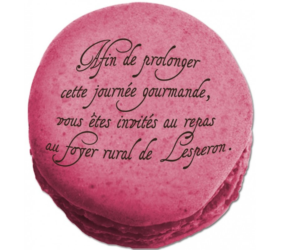 Un carton d'invitation de mariage original en forme de macaron  ...